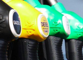 Obstawianie cen paliw. Jak zarabiać u bukmachera na podwyżkach i obniżkach?